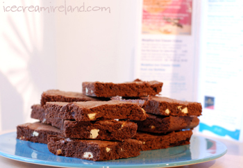 Brownies with White Chocolate Chunks