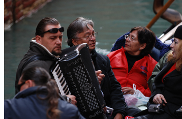Accordian Player, Gondola