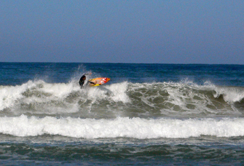 surfer biarritz